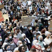 تظاهرات ٤٠٠٠ نفری زنان باحجاب و بیحجاب عليه ممنوعيت حجاب در بروكسل